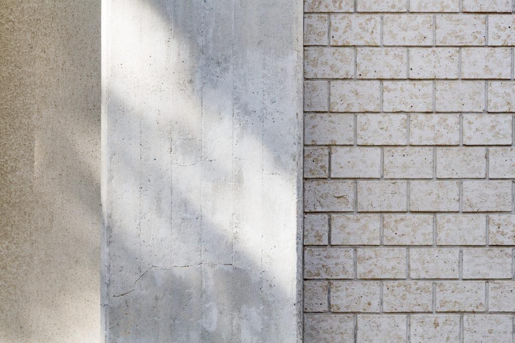 外壁タイルの耐用年数はどれくらいなの?